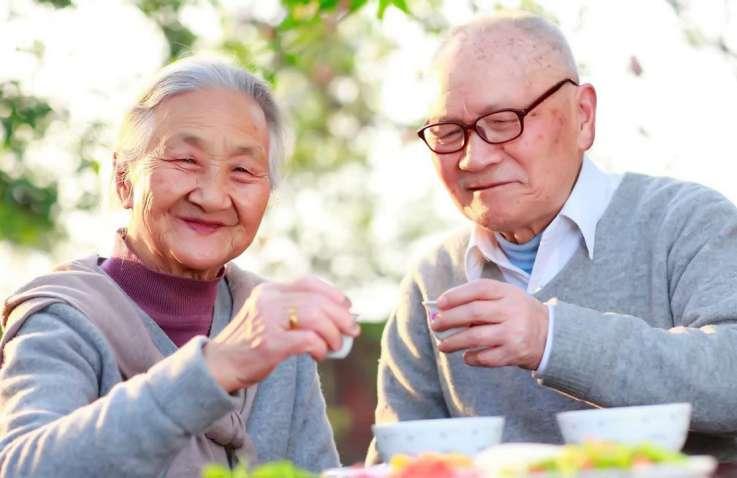 Bí quyết bảo vệ sức khỏe cho người cao tuổi