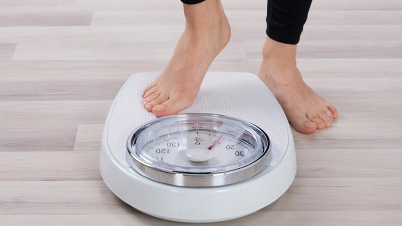 cân trọng lượng cơ thể